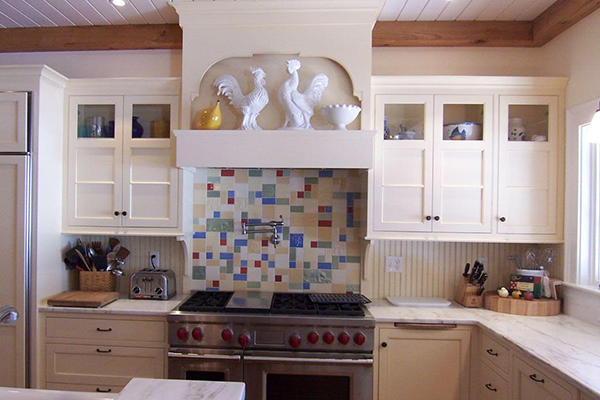 Backsplash adds color