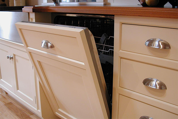 Dishwasher door cabinet facing